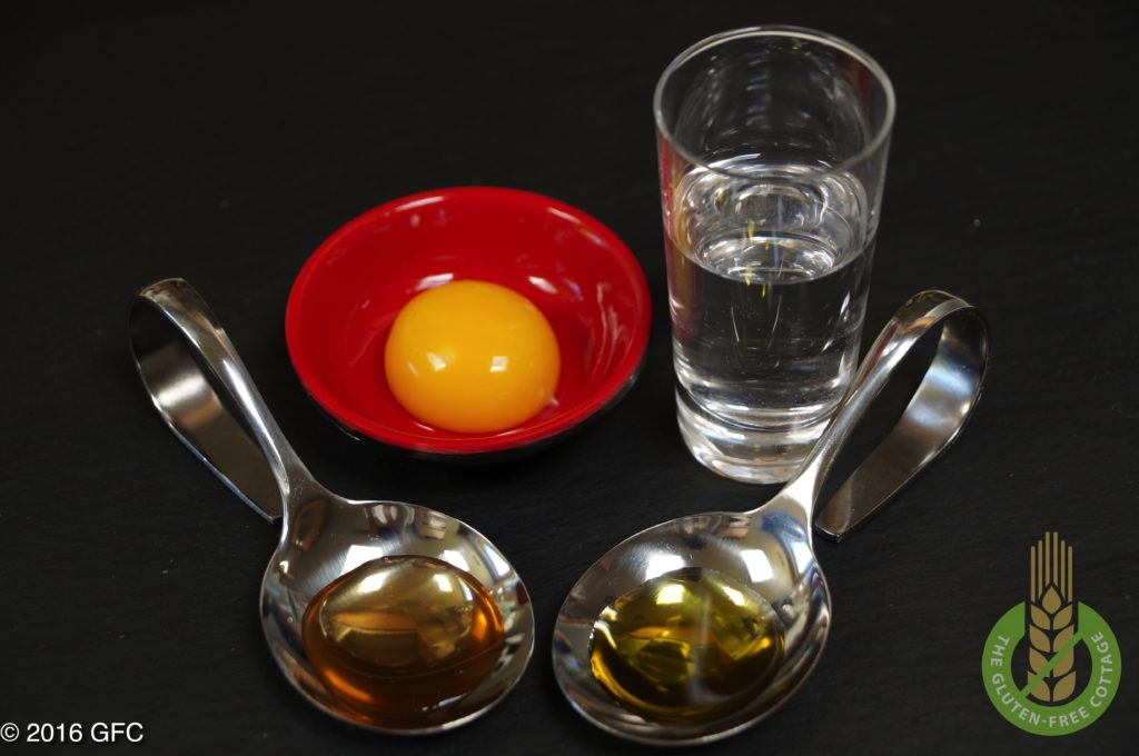 Liquid ingredients: egg, water, apple vinegar and olive oil (gluten-free pepperoni pizza).